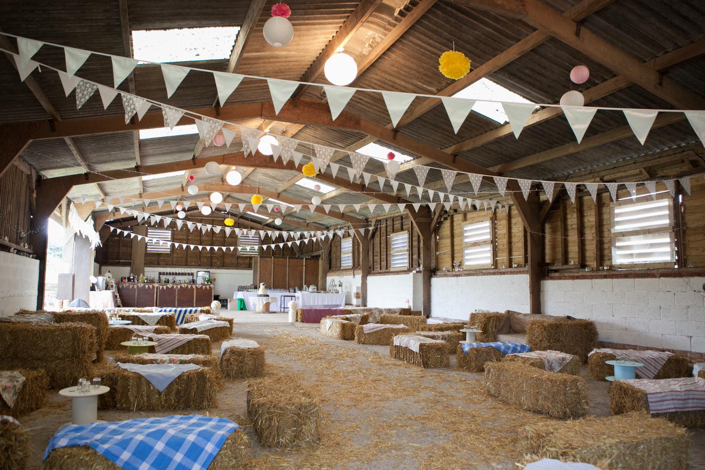 Colourful Barn Wedding Photography at Furtho Manor Farm in Milton Keynes
