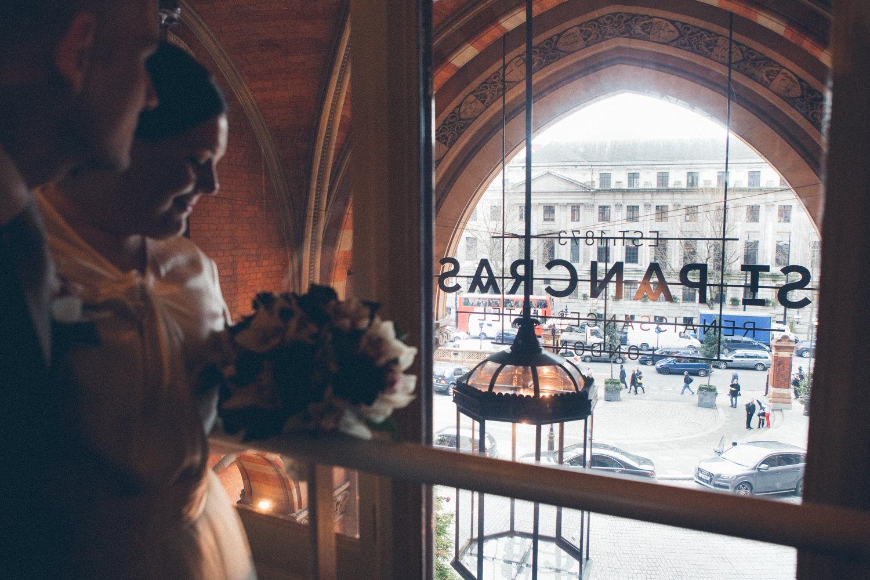 winter-wedding-st-pancras-renaissance-hotel-12