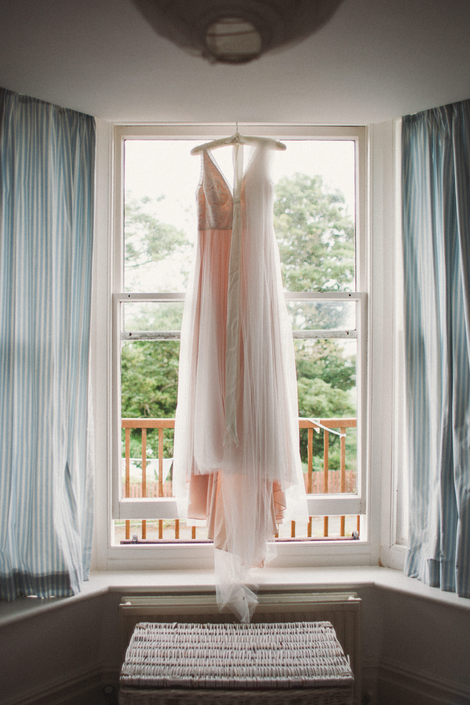 Cliff House Salcombe Wedding Photography, catherine deane dress, Catherine Deane wedding dress