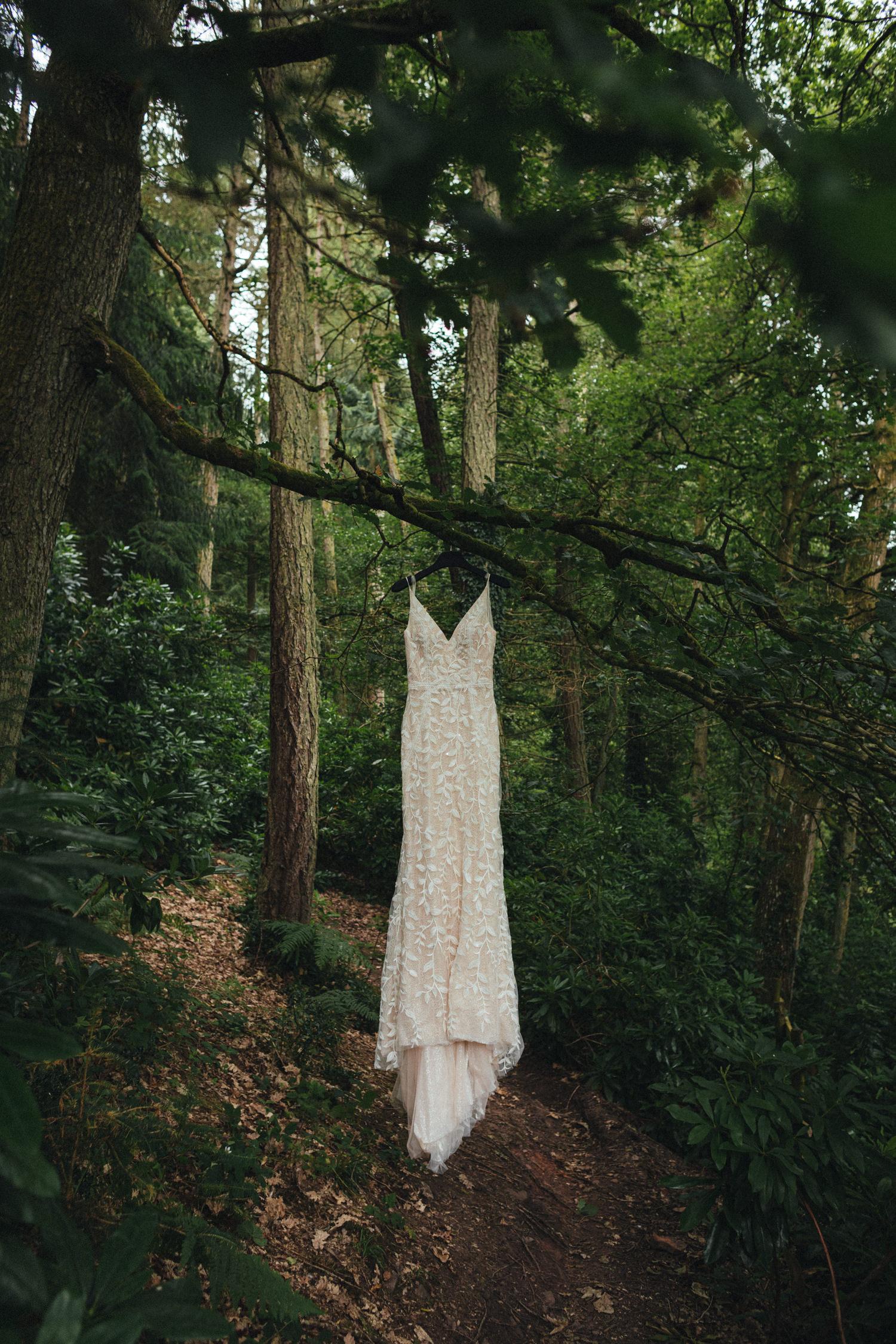 wedding dress, handmade wedding dress, woodland wedding, forest wedding, great wood camp, great wood camp wedding photography
