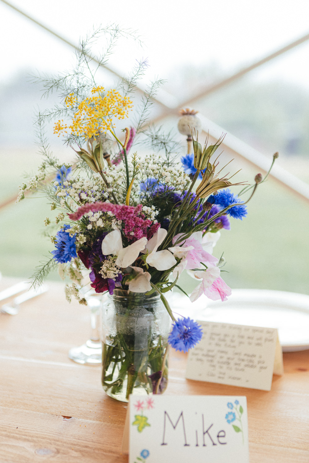 wildflowers, wedding decor, flowers, outdoor wedding photography